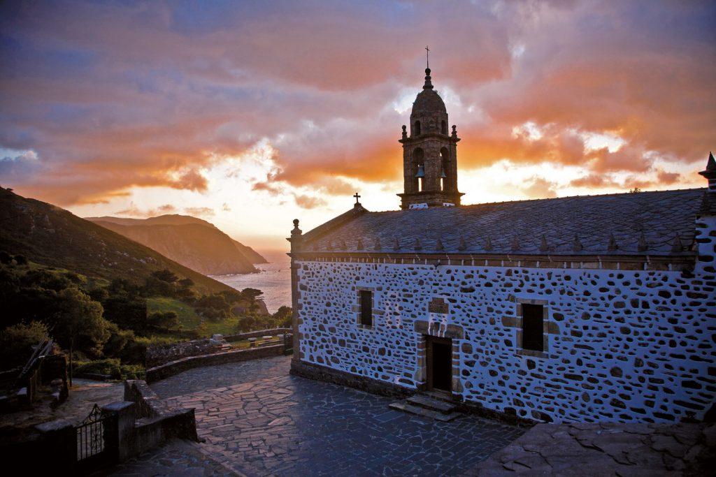 En Planes Santa A Para Semana Quincemil Siete Esta Coruña y8OPvNnwm0
