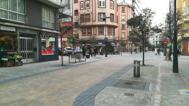 Calle Ángel Senra en Os Mallos.