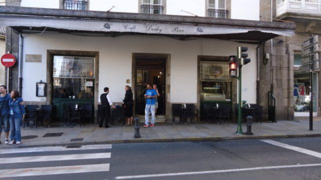 Fachada del Café Derby en Santiago de Compostela