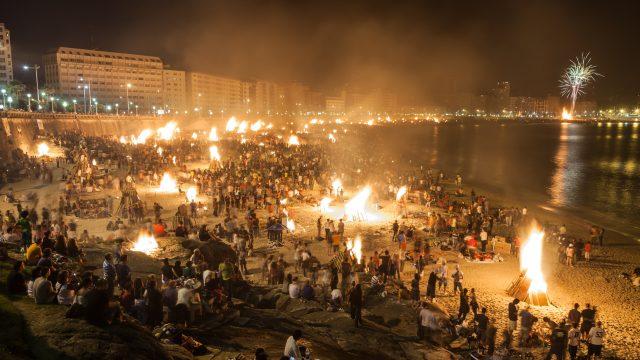 Imagen de archivo de una noche de San Juan en A Coruña