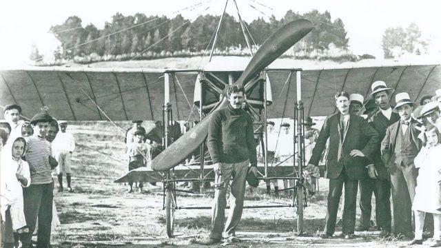 José Piñeiro y su aeroplano