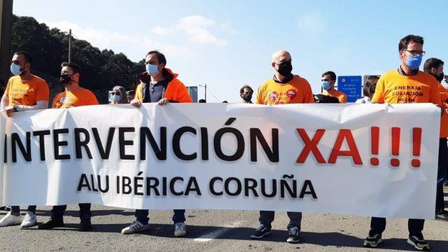 Concentración de trabajadores de Alu Ibérica en A Coruña en una foto de archivo