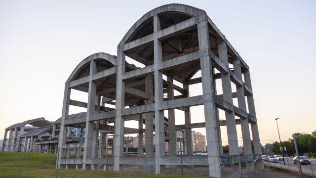 Estructura de la antigua fábrica de La Cros.