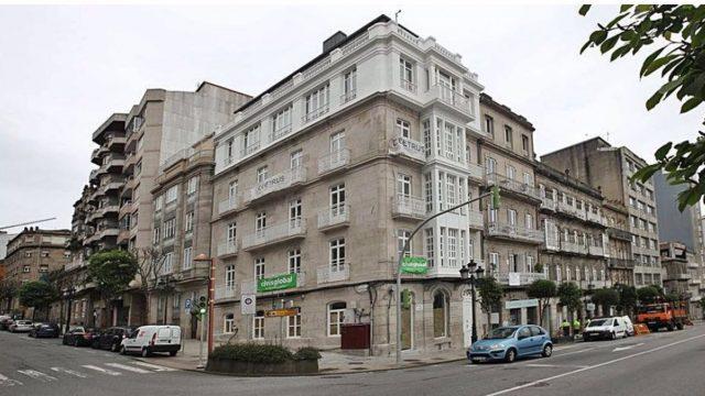 Hotel de Ceetrus rehabilitado, situado en la Calle Urzáiz 76 de Vigo.