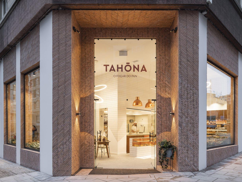 Panadería Tahona inaugura un nuevo establecimiento en la Ciudad Escolar de  A Coruña