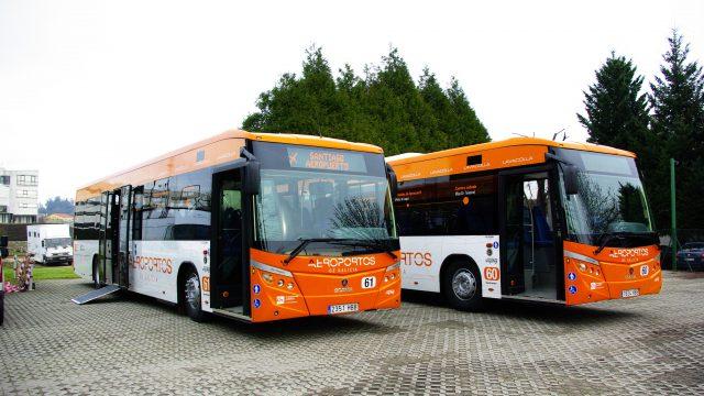 Los autobuses de la línea entre Santiago y su aeropuerto.