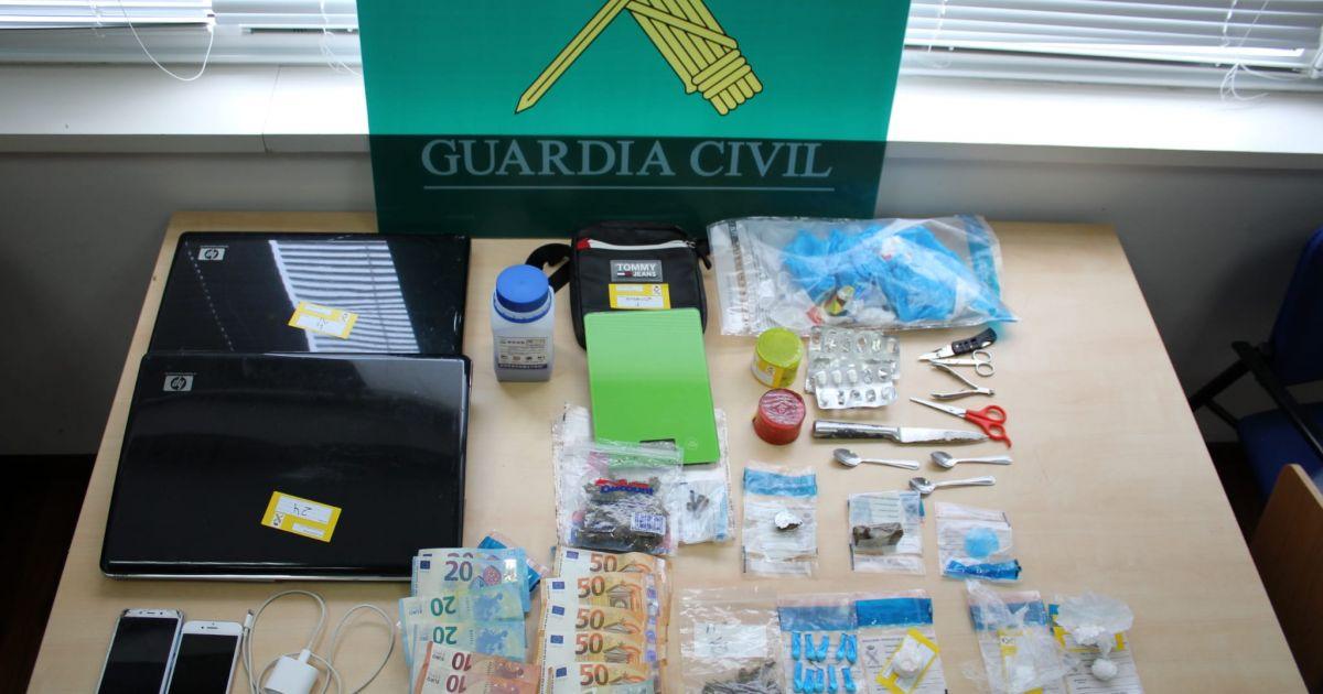 Un detenido y un investigado por la venta de droga en un inmueble de O Milladoiro (Ames)