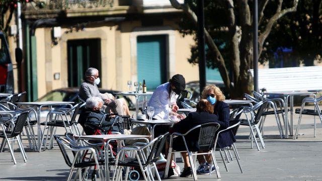 Una terraza de un negocio de hostelería en Ferrol.
