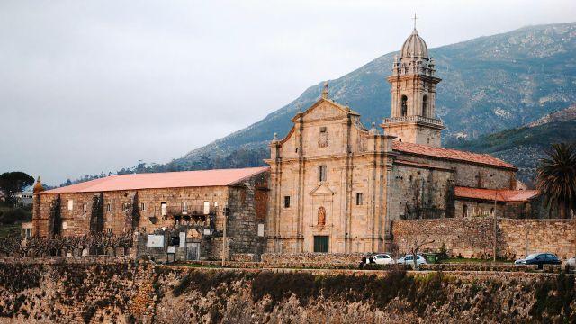 Monasterio de Santa María de Oia.