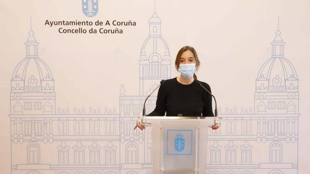 La alcaldesa de A Coruña, Inés Rey, en una rueda de prensa.