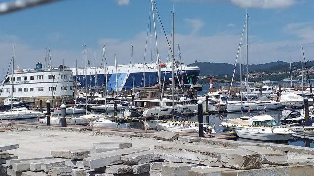 Barco ro-ro 'Prometheus Leader', atracado en Vigo en cuarentena