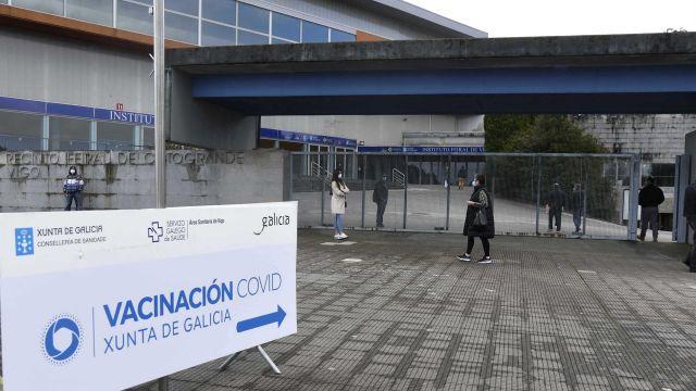 Vacunación en Ifevi, Vigo.