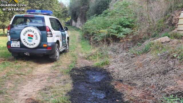 Vertido ilegal investigado por el Seprona de la Guardia Civil en la provincia de Pontevedra.