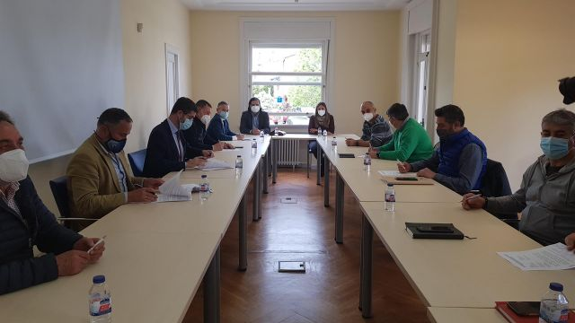 La patronal y los sindicatos CC.OO y UGT firman el convenio del metal de Pontevedra