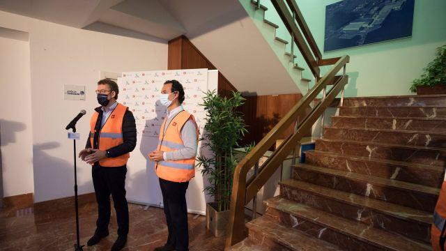 El presidente de la Xunta comparece junto al máximo responsable de Jealsa