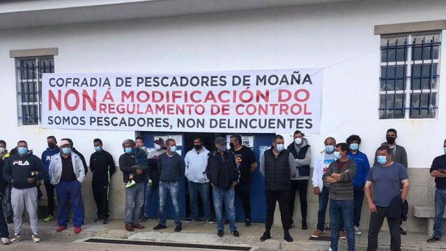 Protesta de marineros gallegos contra el nuevo reglamento europeo de control de la actividad pesquera.