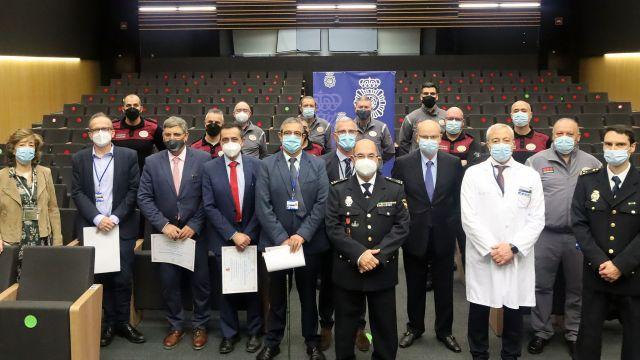 Profesionales premiados esta mañana por la Policía Nacional