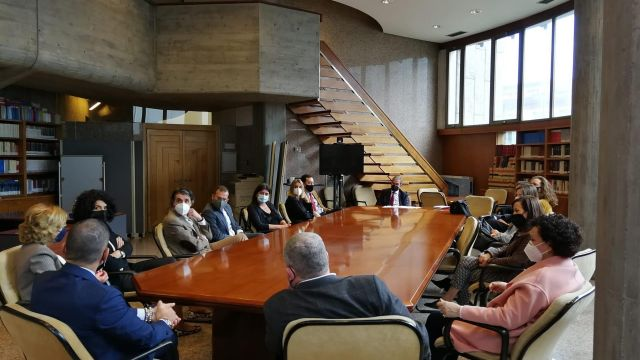 El presidente del TSXG, José María Gómez y Díaz-Castroverde, se reúne con jueces y juezas de A Coruña.