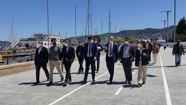 El presidente de la Autoridad Portuaria de Vigo, junto a otras autoridades, visitaron el tramo finalizado.