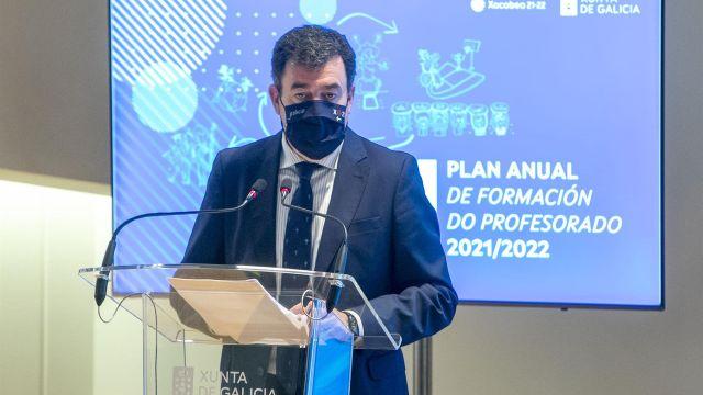 El conselleiro de Cultura, Educación e Universidade, Román Rodríguez.