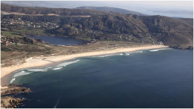 Vista aérea del arenal de Doniños.