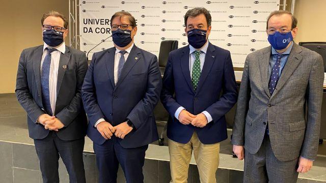 Firma del convenio entre la UDC y la Xunta.