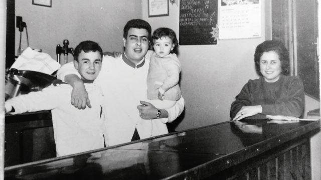 Una foto de familia de hace muchas décadas (cedida)