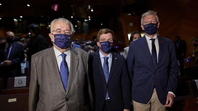 El presidente del Tribunal Constitucional, el alcalde de Madrid y el vicepresidente de la Xunta de Galicia