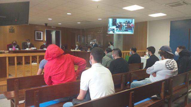 Aficionados 'ultra' del Celta, en un juicio en el que fueron condenados por alteración del orden, daños y lesiones.