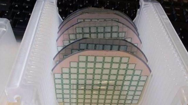 Obleas de silicio fabricadas en el Instituto de Microelectrónica de Barcelona SOCIEDAD SALUD IMB-CNM-CSIC