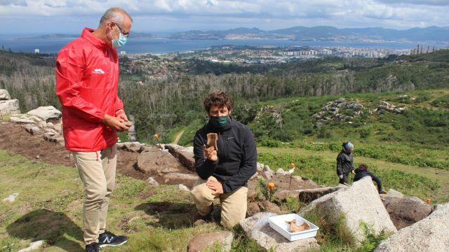 Excavación en el castro de Chandebrito.
