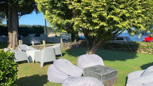 Los asientos del nuevo chiringuito Cabío22 (Cedida)