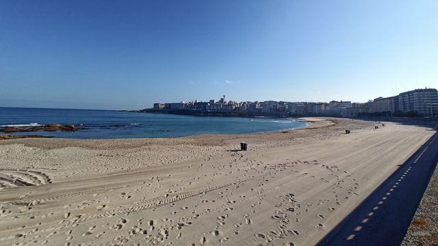 La playa del Orzán (A Coruña) esta mañana.