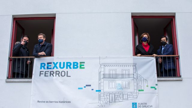 Inauguración vivienda 'Rexurbe' en Ferrol.