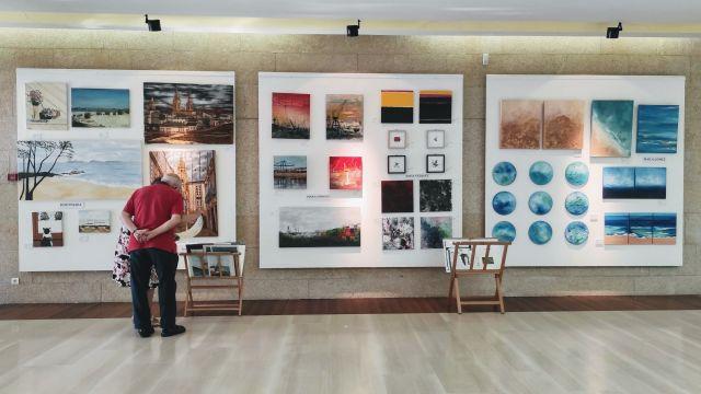 Imagen de la exposición colectiva en Sanxenxo.