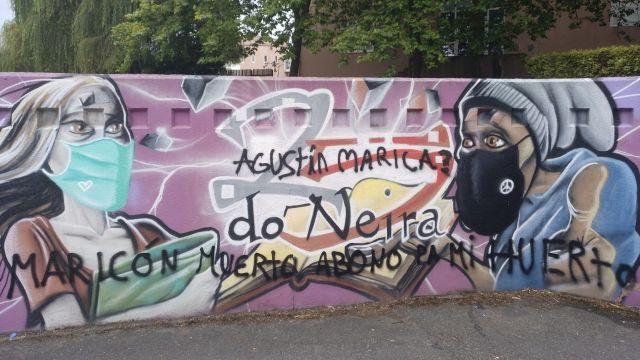Pintadas en el mural del instituto Neira Vilas de Oleiros