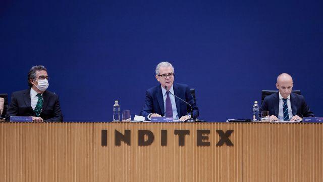 El presidente de Inditex, Pablo Isla, en el centro de la imagen.