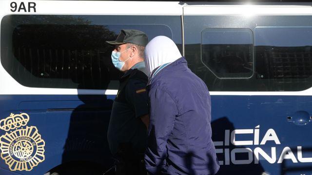 Uno de los detenidos por el crimen de Samuel, a su llegada al juzgado en una comparecencia anterior.