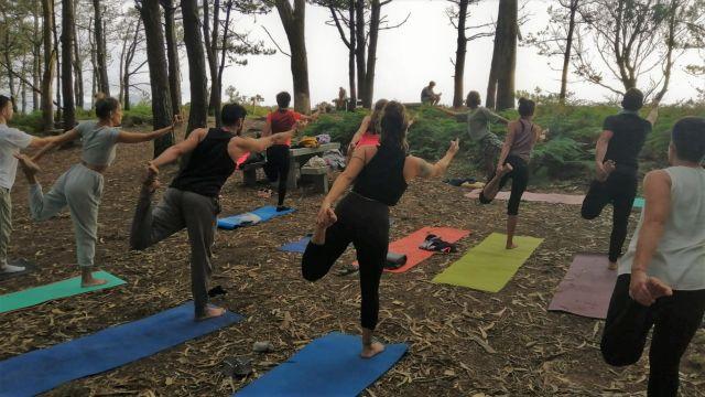 Tiki Yoga realizó su última sesión al aire libre en Monteferro, en Nigrán