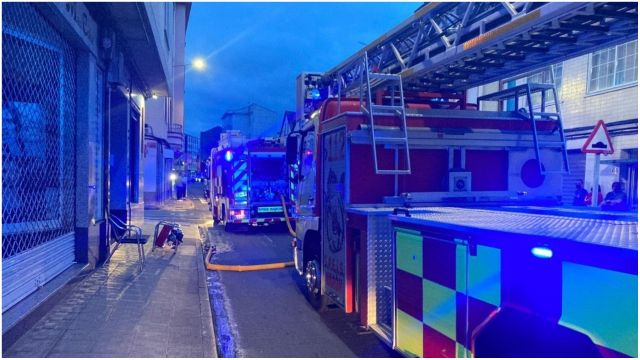 El incendio se originó en la cocina de una vivienda.