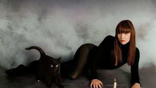 La Bien Querida presenta su álbum 'Brujería'.