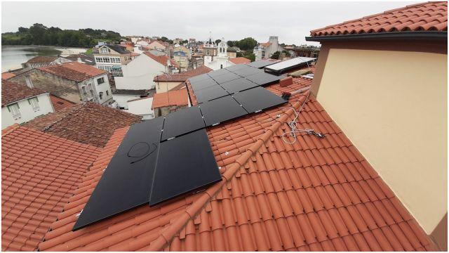 Paneles fotovoltaicos en Ares.