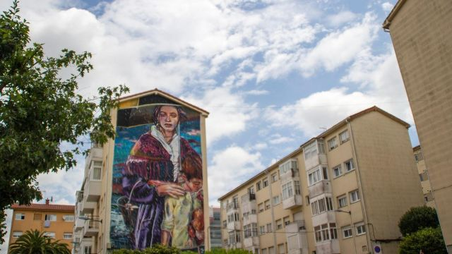 El mural de Lily Brick en Pontepedriña.