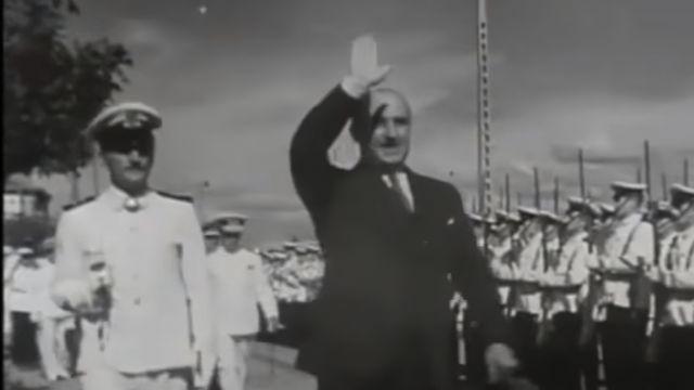 Franco visitando el Arsenal de Ferrol