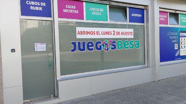 Fachada de la nueva tienda de Juegos Besa.