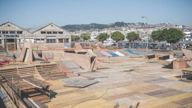 Obras del montaje de la pista de Skate para O Marisquiño 2021.