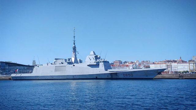 La fragata francesa Aquitaine en el Puerto de A Coruña