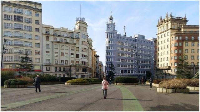 La plaza de España acoge el punto de realización de test.