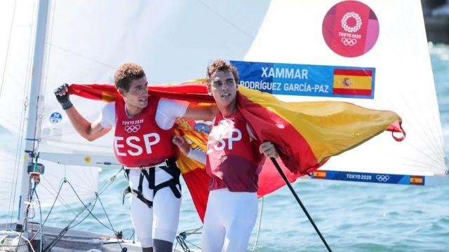 Jordi Xammar y Nicolás Rodríguez tras conseguir el bronce en 470.