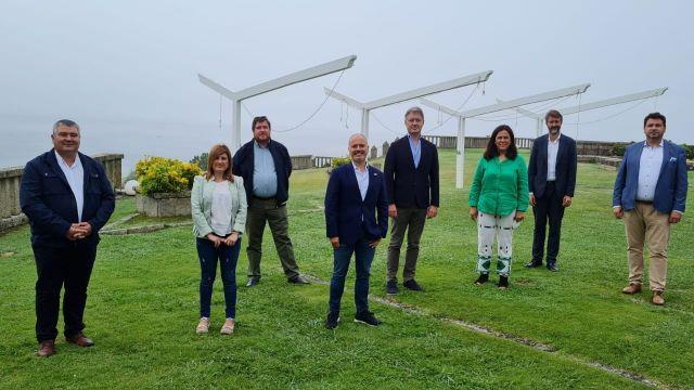 El delegado del Estado, David Regades, con los concellos de Vilagarcía, Cambados, O Grove, Meaño, Ribadumia, A Illa de Arousa y Meis